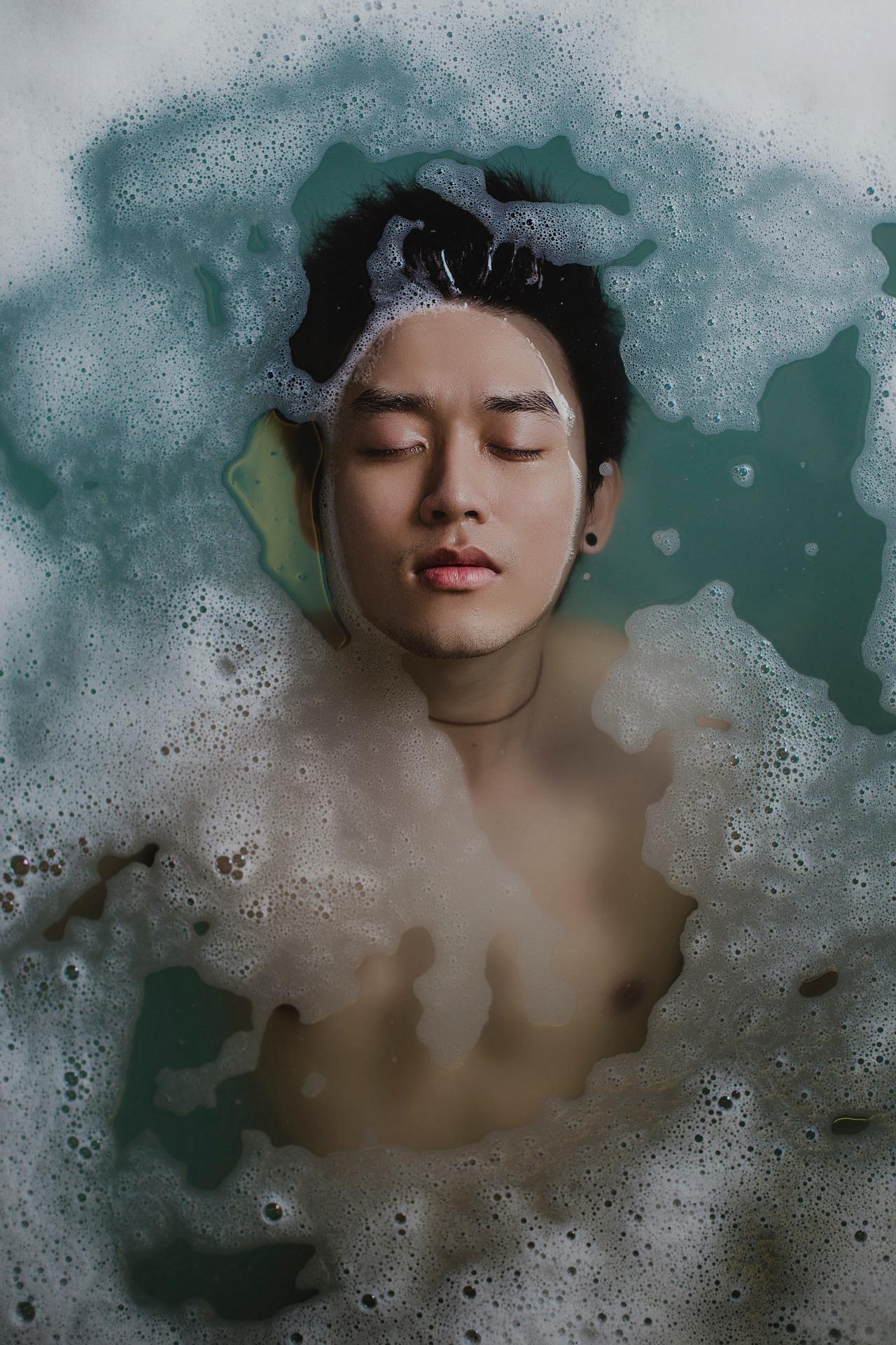 Ежедневная ванна снижает риск инсульта. Купание